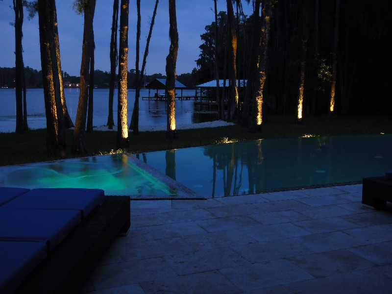 led lakefront pool lighting
