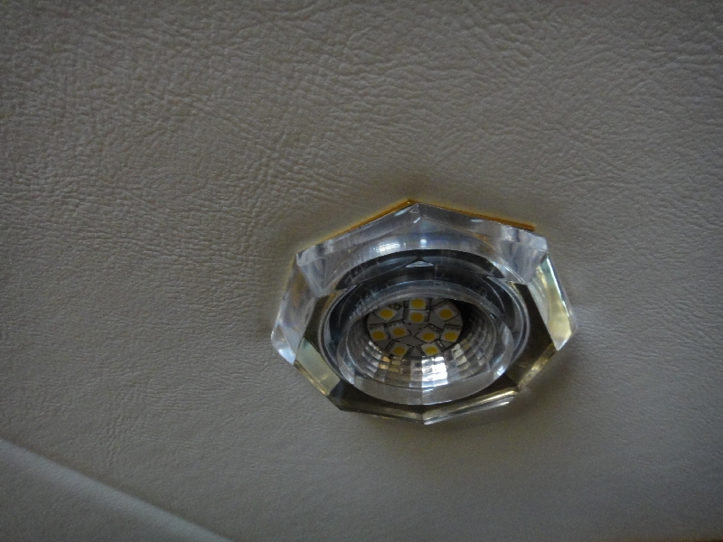 led halogen replacement module